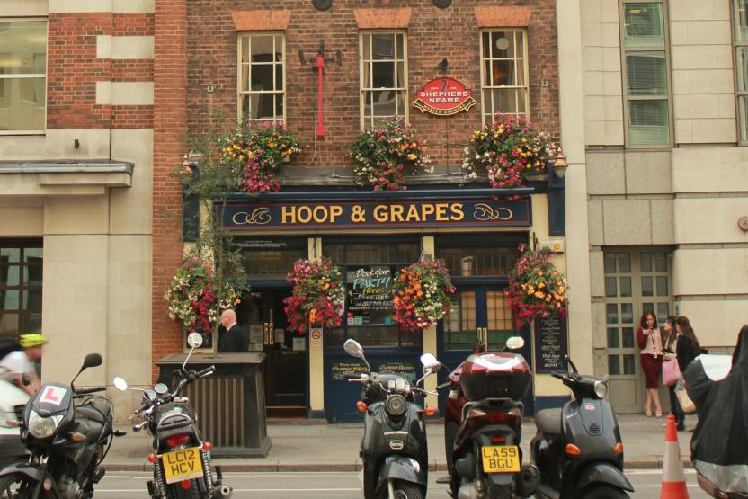 Hoop & Grapes, London. Farringdon's Local